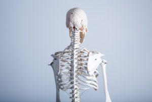 背骨を矯正すれば良くなるの?